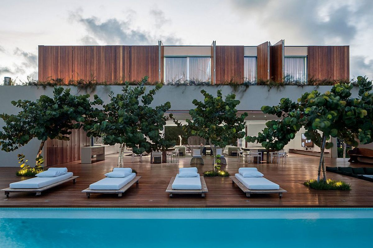 Fabulous beach home in Brazil with deck and pool Synergy Between Nature and Design: Captivating Casa TM in Brazil