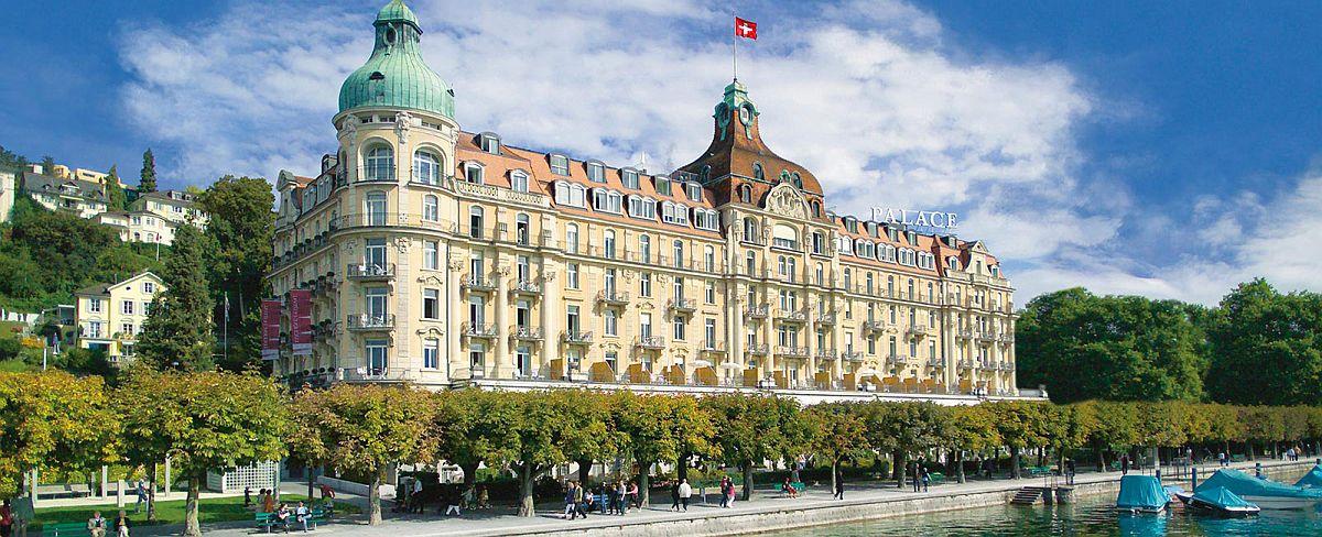 Idyllic Palace Luzern on the bank of Lake Lucerne