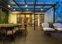 Living-wall-and-glass-pergola-of-the-rooftop-garden-217x155