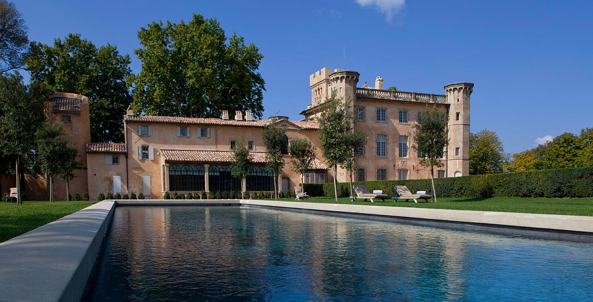 Luxury French hotel set on a 300-hectre winery - Villa Baulieu