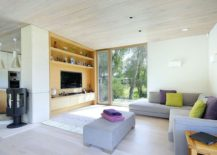 Modern and relaxing living room of the Forest Lodge 217x155 Eco Friendly Dwelling: Contemporary Mobile Home Nestled in New Forest