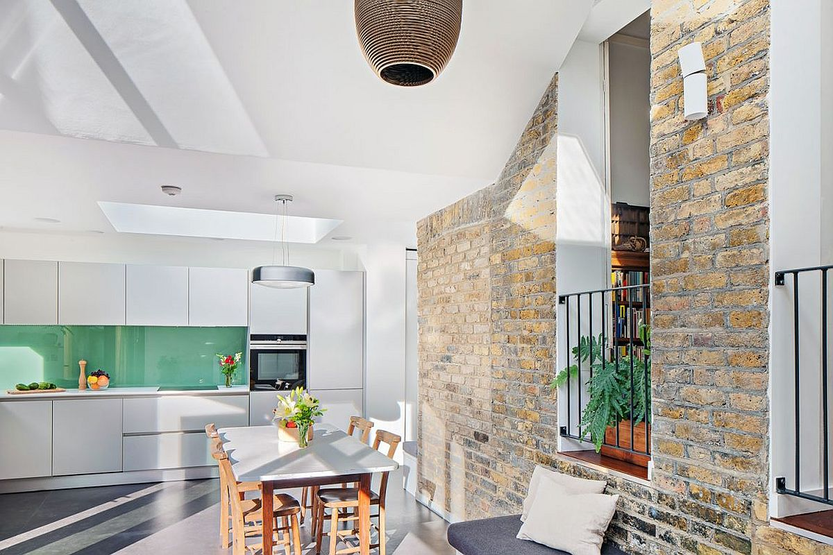 Modern extension of the Clapton home with kitchen, dining area and sitting space