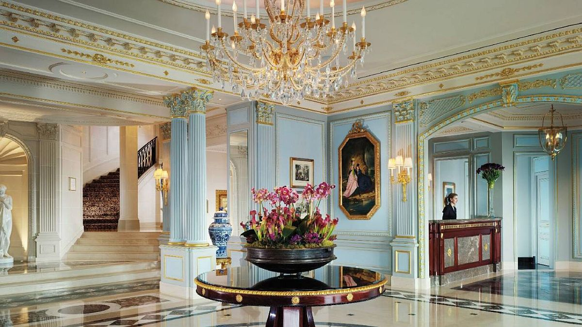 Reception hall at the Four Seasons des Bergues does not disappoint!