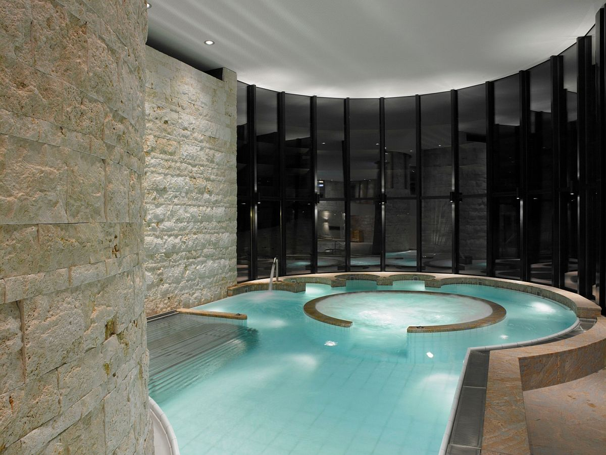 Relaxing Jacuzzi at the Grand Hotel Kronenhof
