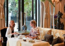 Relaxing-lounge-at-Four-Seasons-Hotel-George-V-Paris-217x155