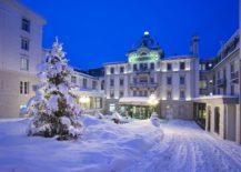 Snow-covered-entrance-of-Grand-Hotel-Kronenhof-217x155