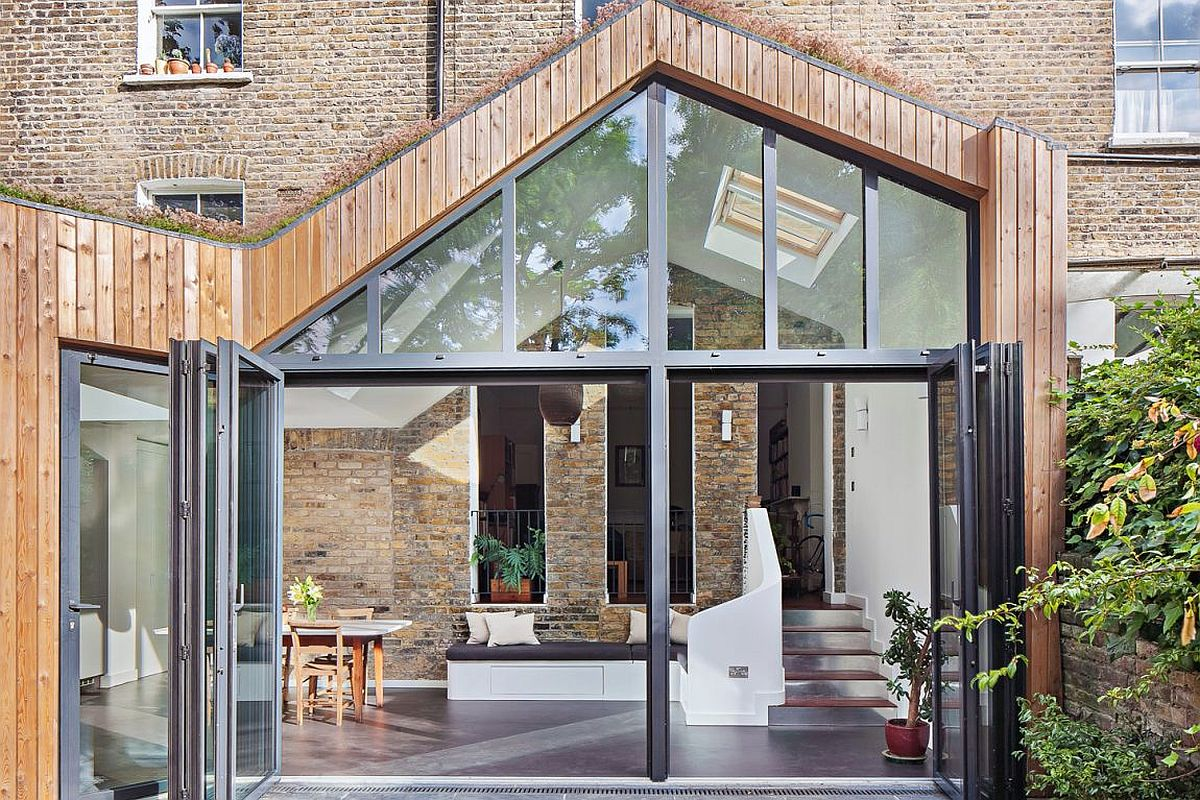 Steel glass and timber extension of the classic Londo home