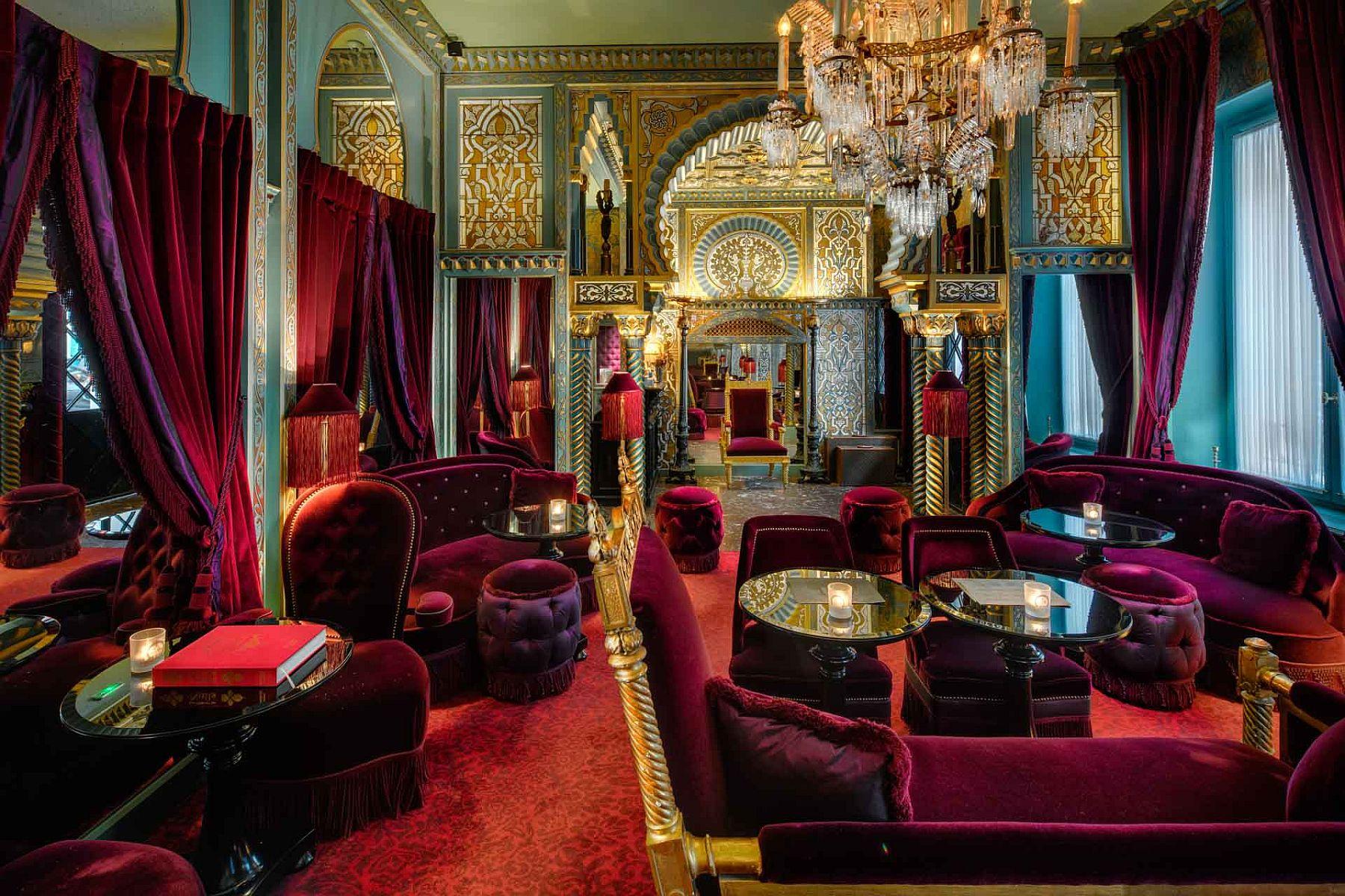 25 best luxury hotels and spas in france. Black Bedroom Furniture Sets. Home Design Ideas