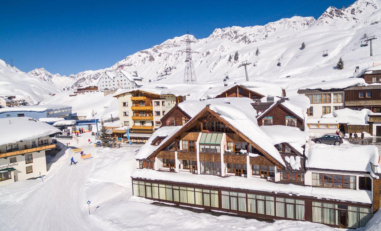 Amazing-Arlberg-Hospiz-Hotel-in-Austria