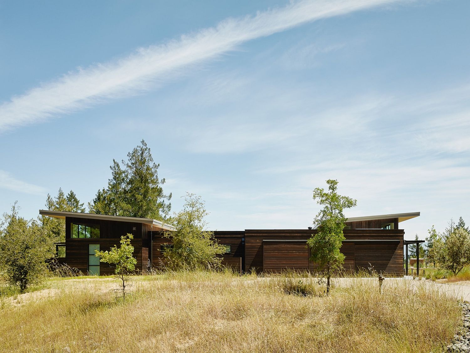 Beautiful Sonoma Country landscape becomes one with the breezy home