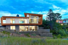 Wood, Concrete and Sculptural Beauty: Mesmeric Cape Cod Beach House