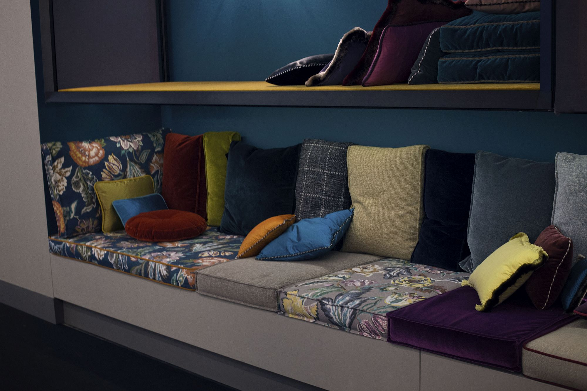 Colorful-and-elegant-way-to-add-life-to-your-living-room