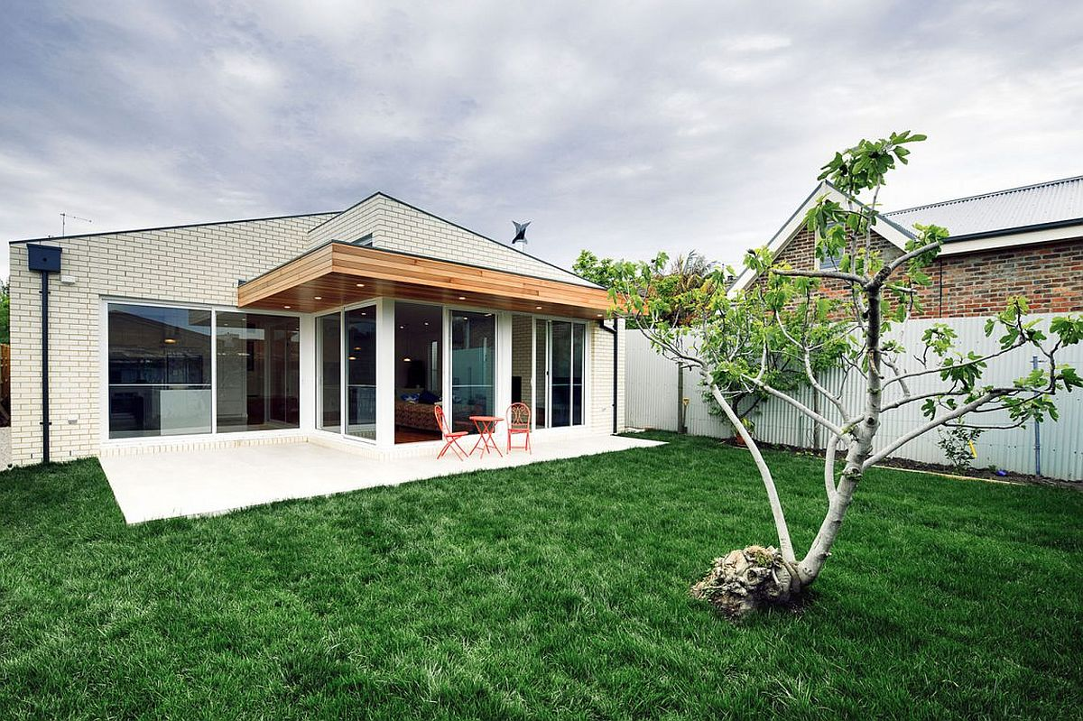 Contemporary rear extension of 1880's brick house in a quiet Melbourne suburb