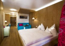Cozy-suites-and-luxurious-rooms-at-Hotel-Goldener-Berg-217x155