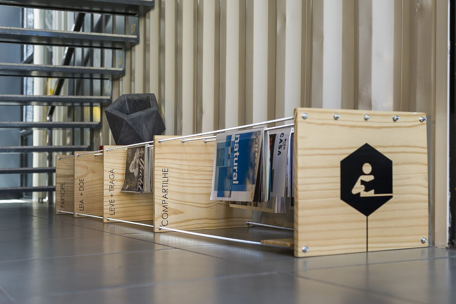 Creative magazine stand for the stylish office space