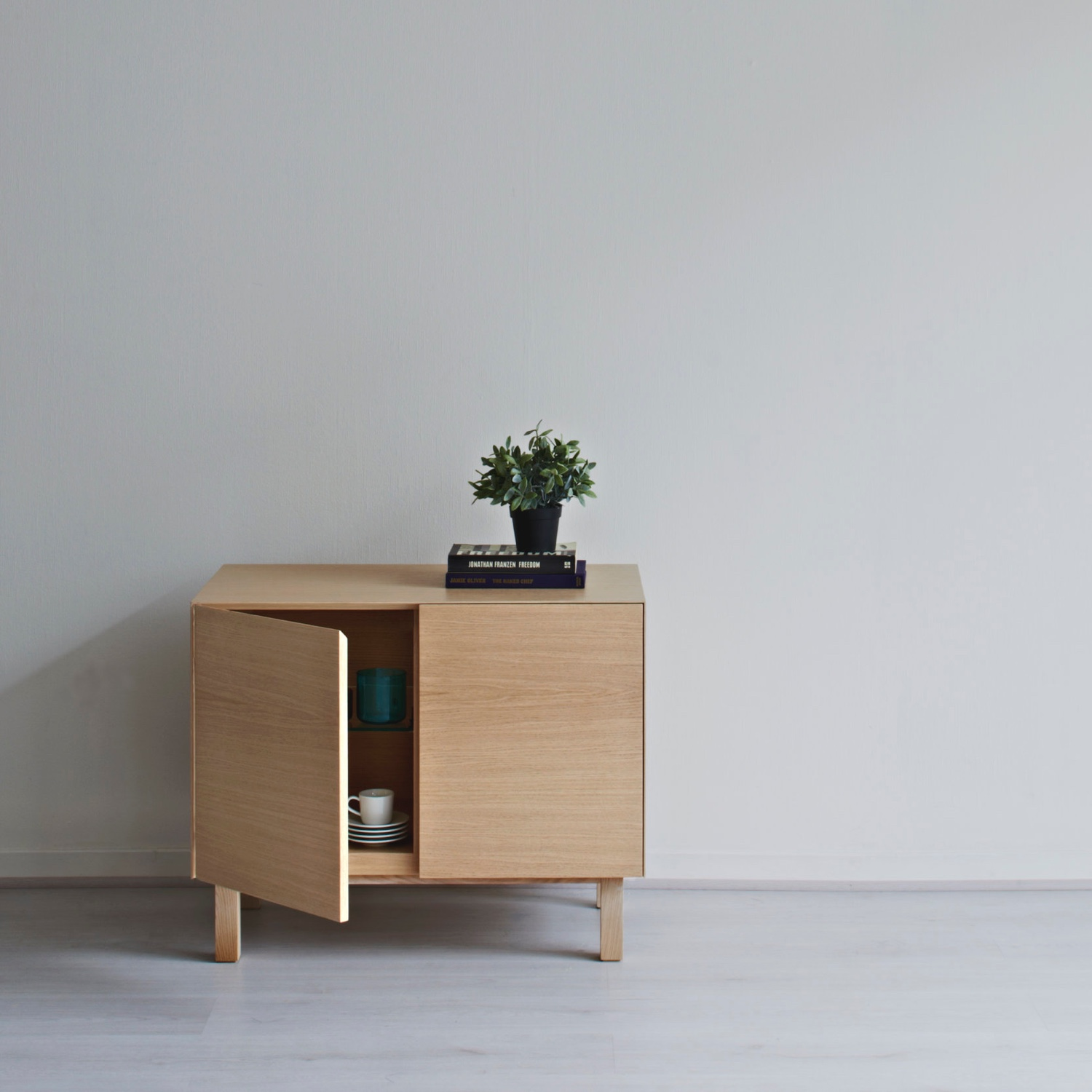 Cubo Sideboard two doors