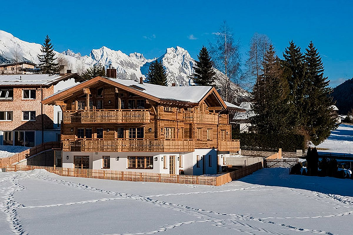 Enjoy-a-holiday-surrounded-by-snow-covered-slopes-and-imposing-Alps-at-Chalet-Austria