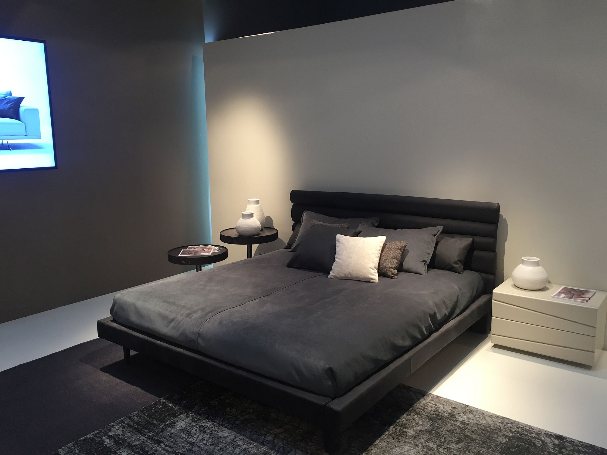 contemporary headboard ideas for the modern bedroom - fitting in with a modern vibe