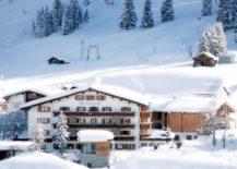 Fabulous-and-unique-Hotel-Berghof-in-Leech-217x155