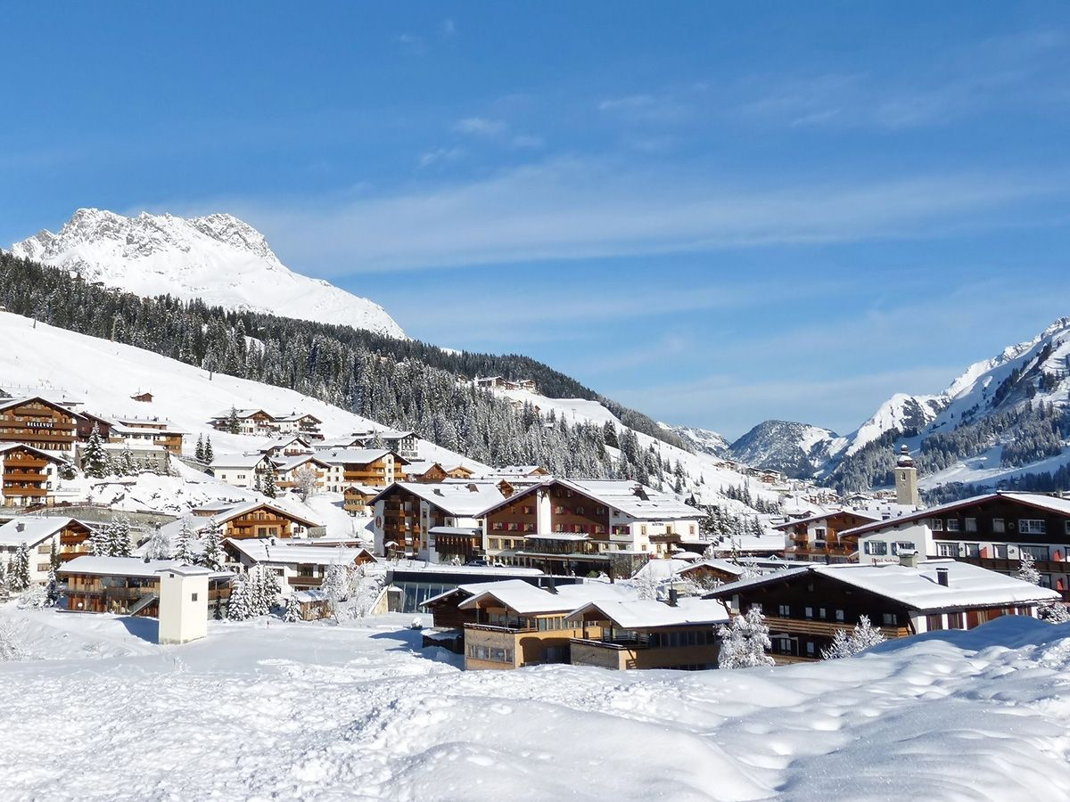 Fabulous-ski-slopes-of-Lech-welcome-you-at-Hotel-Berghof