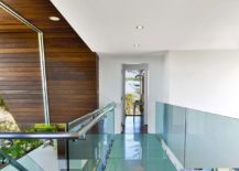 Glass-walkway-connecting-the-guest-room-with-the-master-suite-217x155