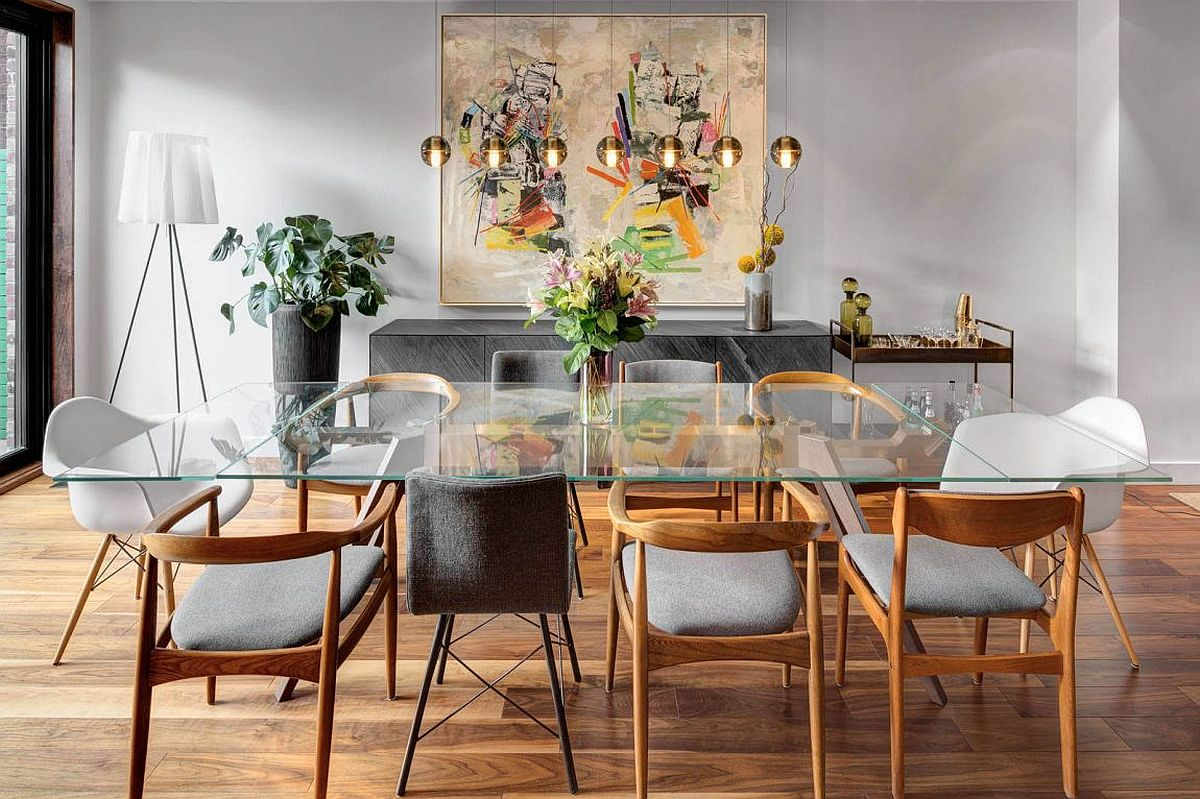 Gorgeous series of pendants illuminates the dining area
