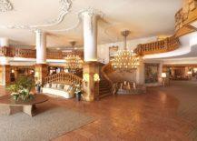 Grand-lobby-of-the-Interalpen-Hotel-Tyrol-217x155