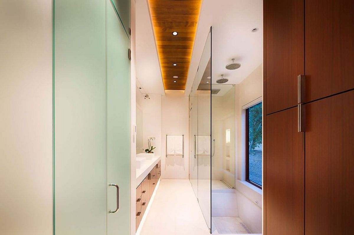 Innovative lighting fixture brings brightness to the bathroom