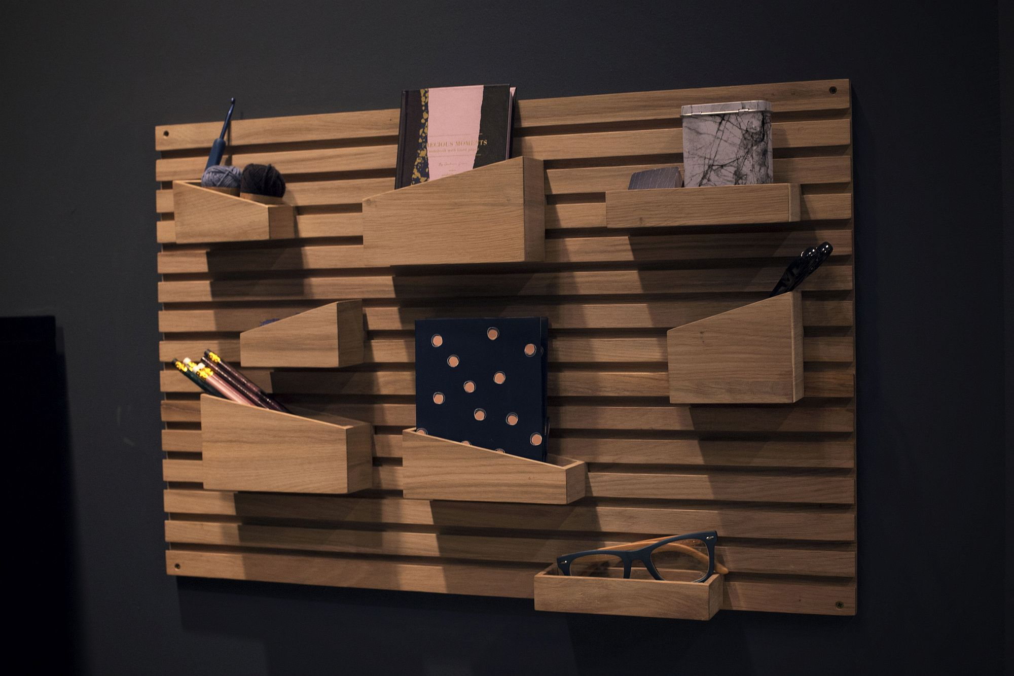Innovative-use-of-wood-by-WOUD-at-IMM-Cologne-2017