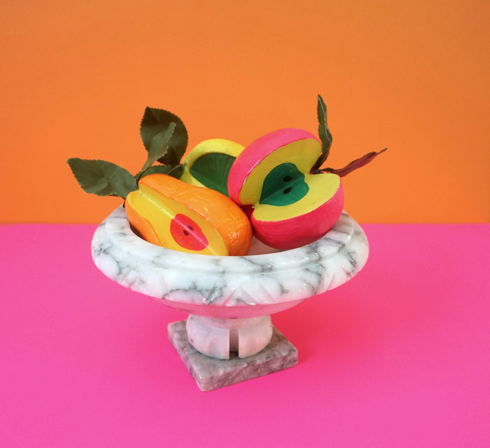 Marble compote with fruit Tips for Collecting Vintage Decor