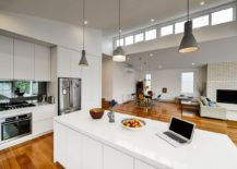 Mix-up-those-pendants-above-the-kitchen-island-for-a-cool-look-217x155