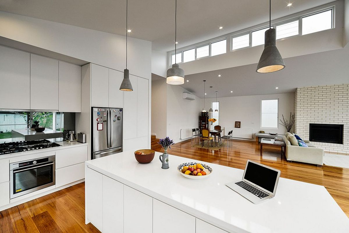 Mix up those pendants above the kitchen island for a cool look