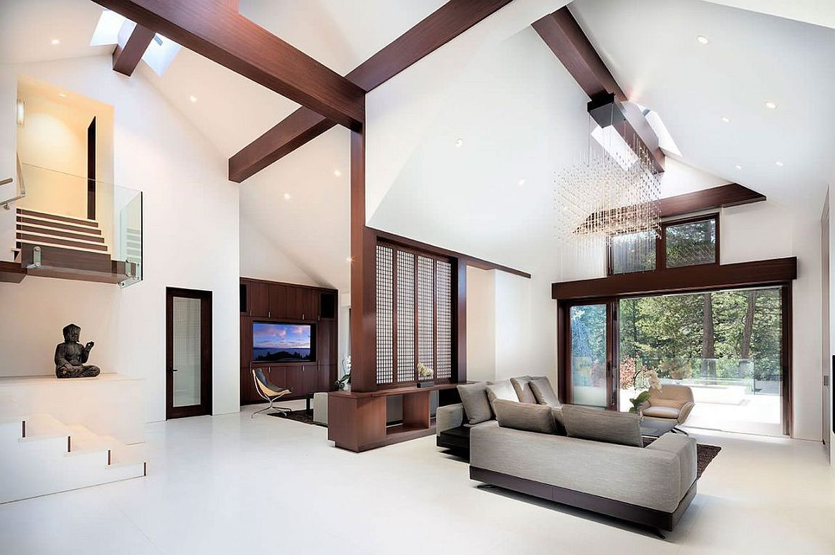 Neutral interior of the the family residence in Olympic Valley