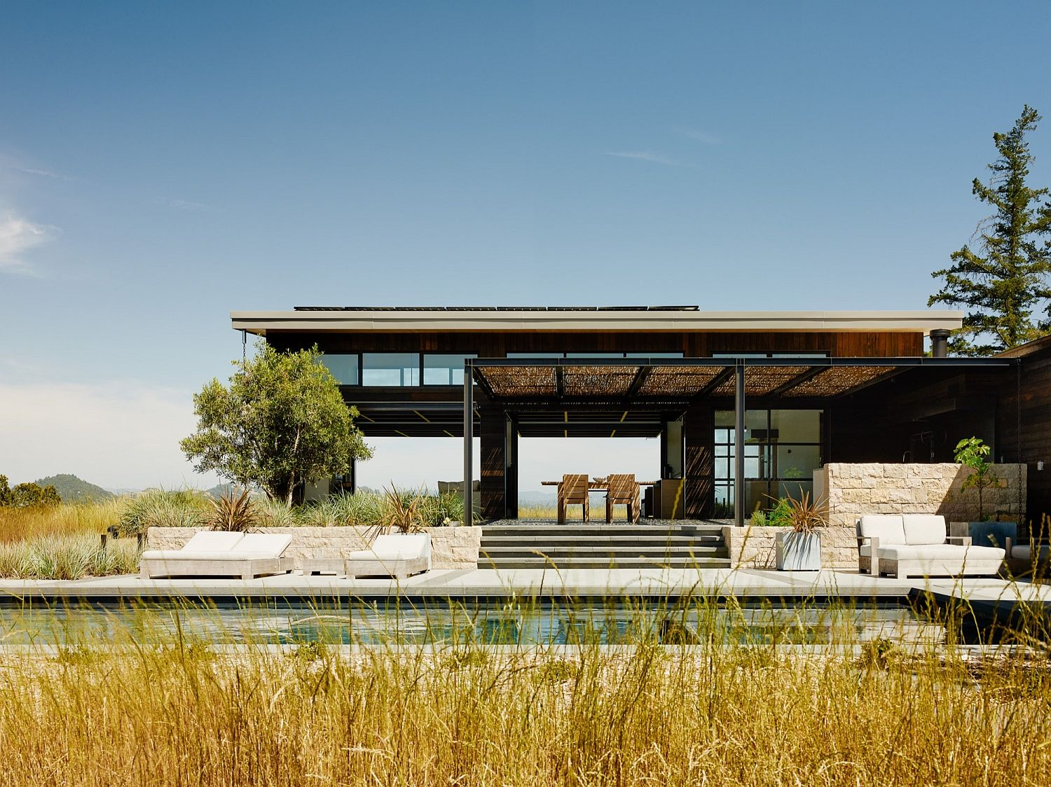 Open and relaxing Healdsburg I deisgned by Feldman Architecture Connecting with Nature: Open and Serene Retreat Blurs Traditional Boundaries