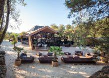 Outdoor-sitting-area-at-the-Boos-Beach-Club-Restaurant-217x155