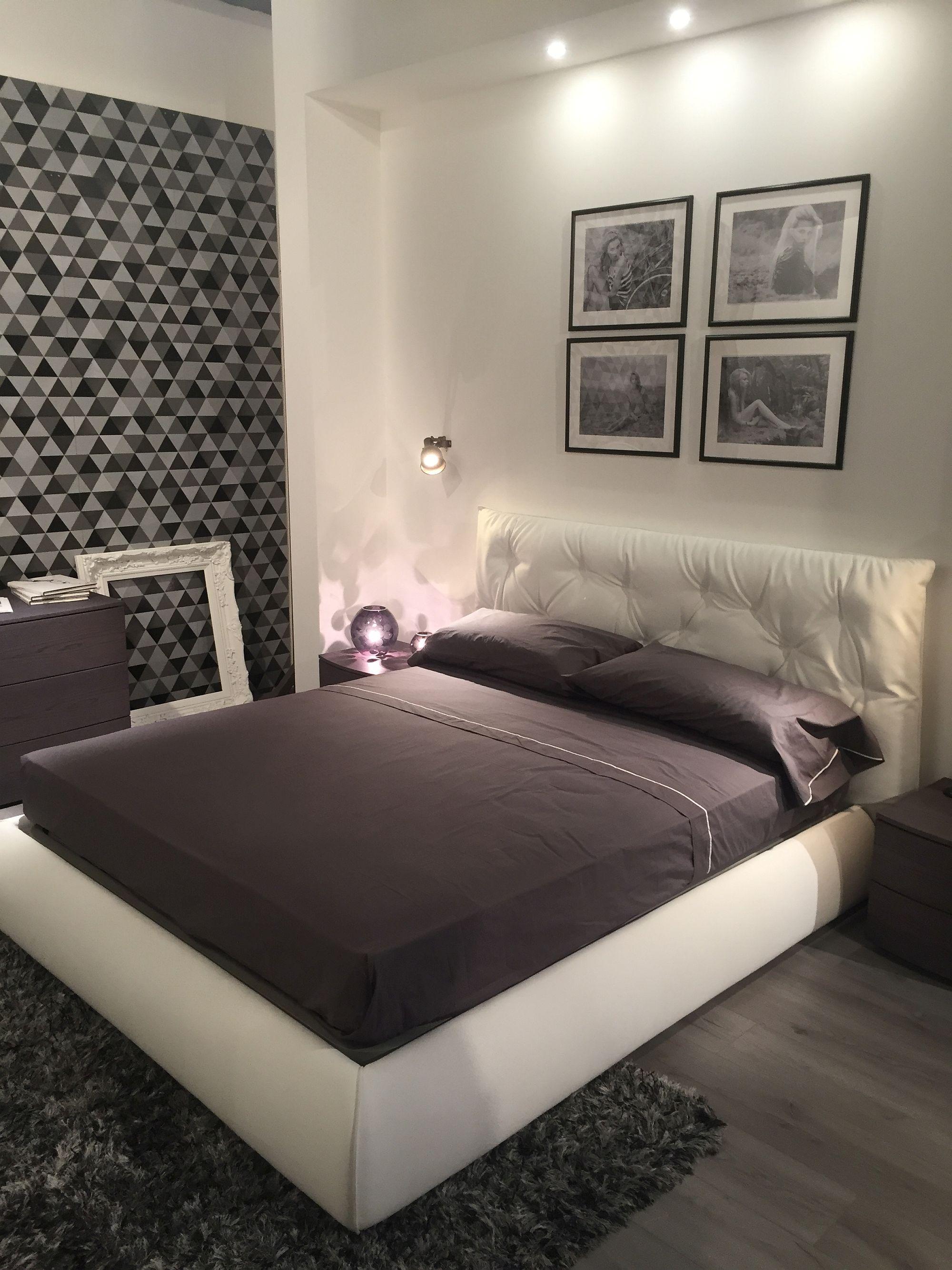 White Headboard Bedroom Modern