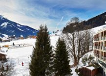 Ski-in-and-ski-out-zone-at-Kempinski-Hotel-Das-Tirol-217x155