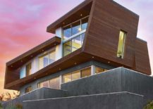 Smart-wood-and-concrete-facade-of-the-beach-house-in-Cape-Cod-217x155
