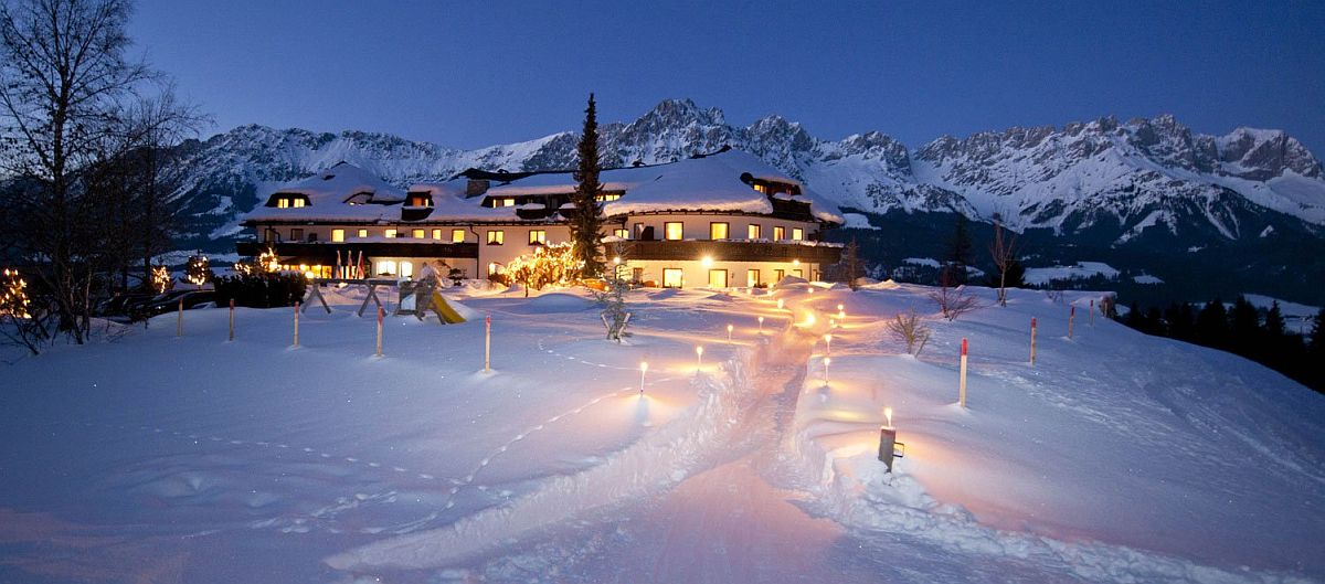 Snow-covered-slopes-and-landscape-around-Kaiserhof-Hotel-in-Austria