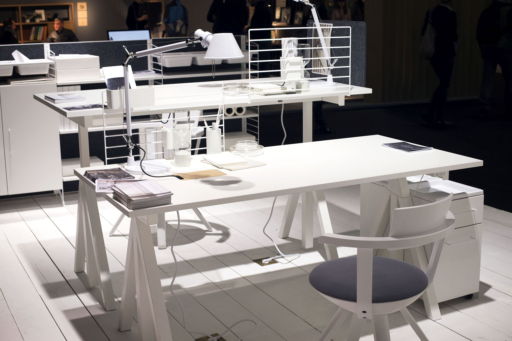 Stunning-contemporary-home-office-on-dispaly-at-the-String-Stand-IMM-Cologne-2017