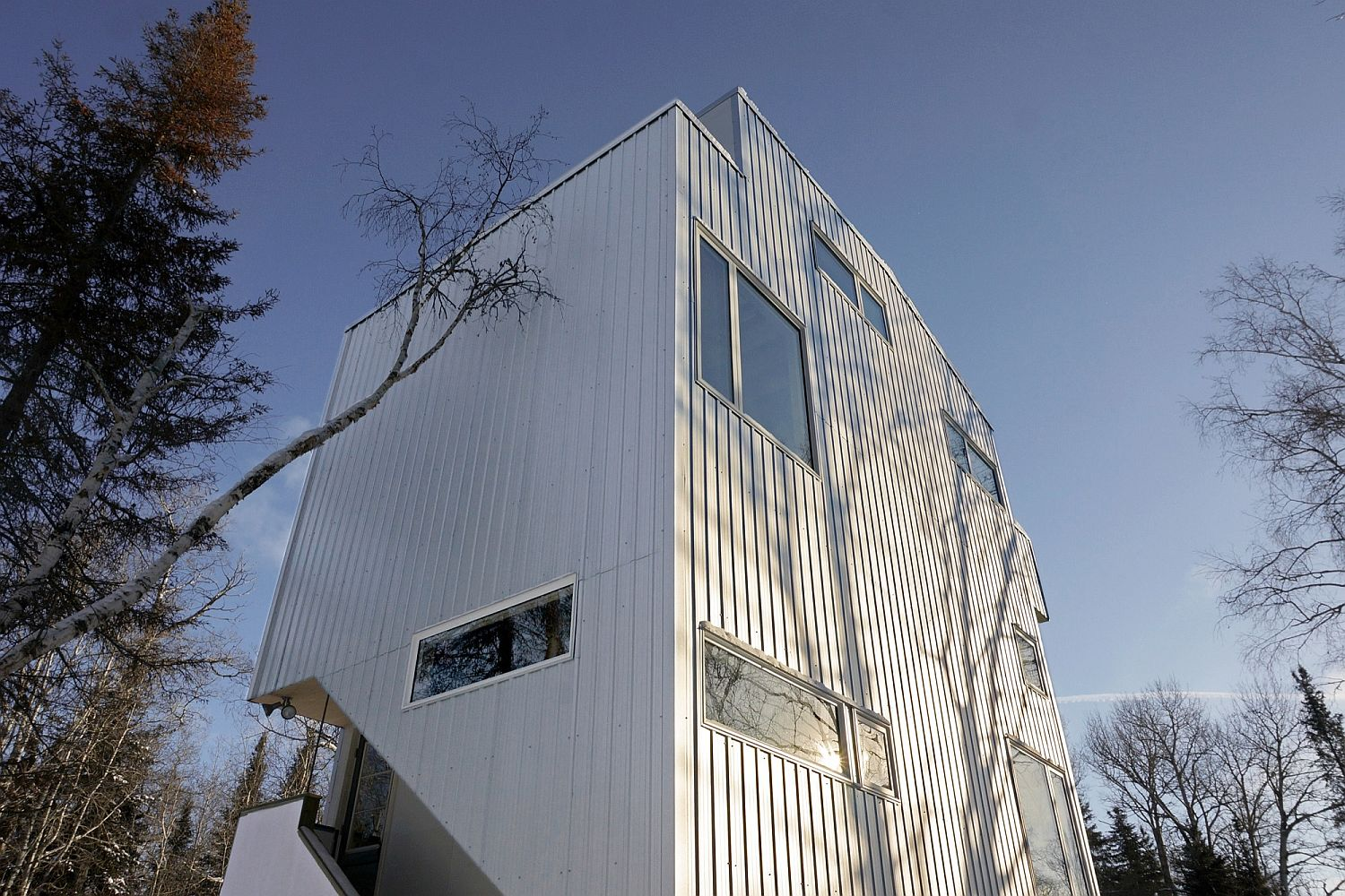 Stylish and modern Pole House sits on recycled gas pipes