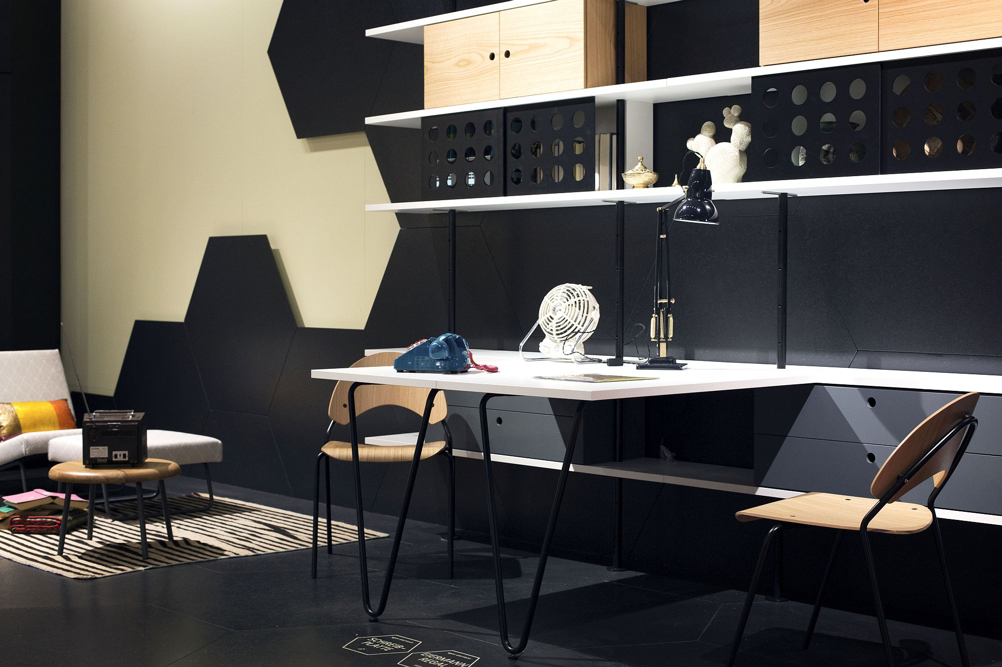 Trurn-a-corner-in-your-home-into-a-stylish-home-office