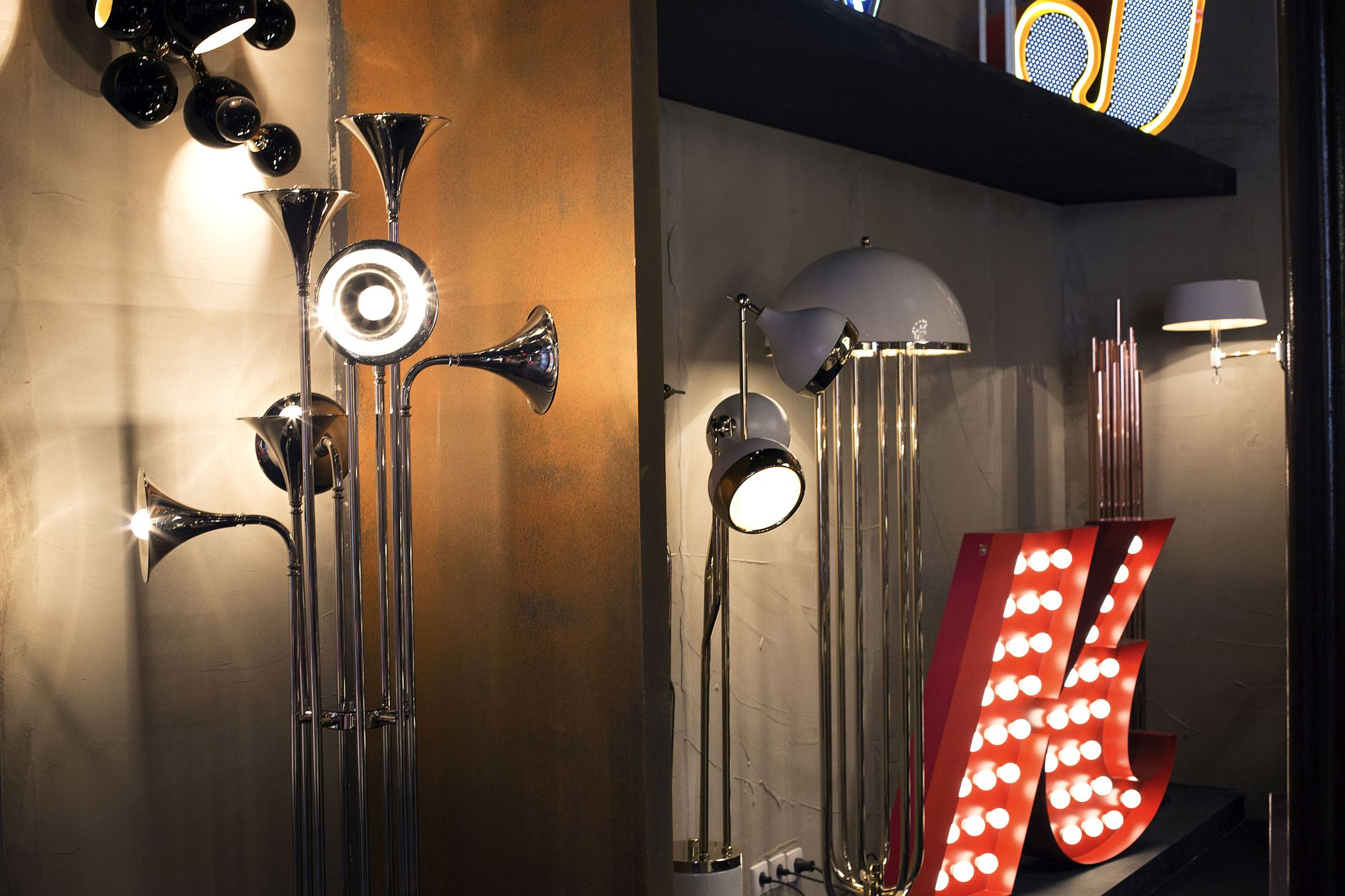 Unique-and-sparling-lighting-fixture-from-DelightFULL