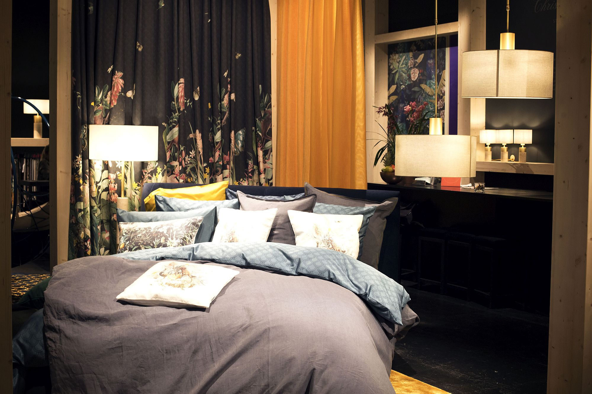 Upgrade-the-comfort-level-of-your-bedroom-with-comfy-new-textiles
