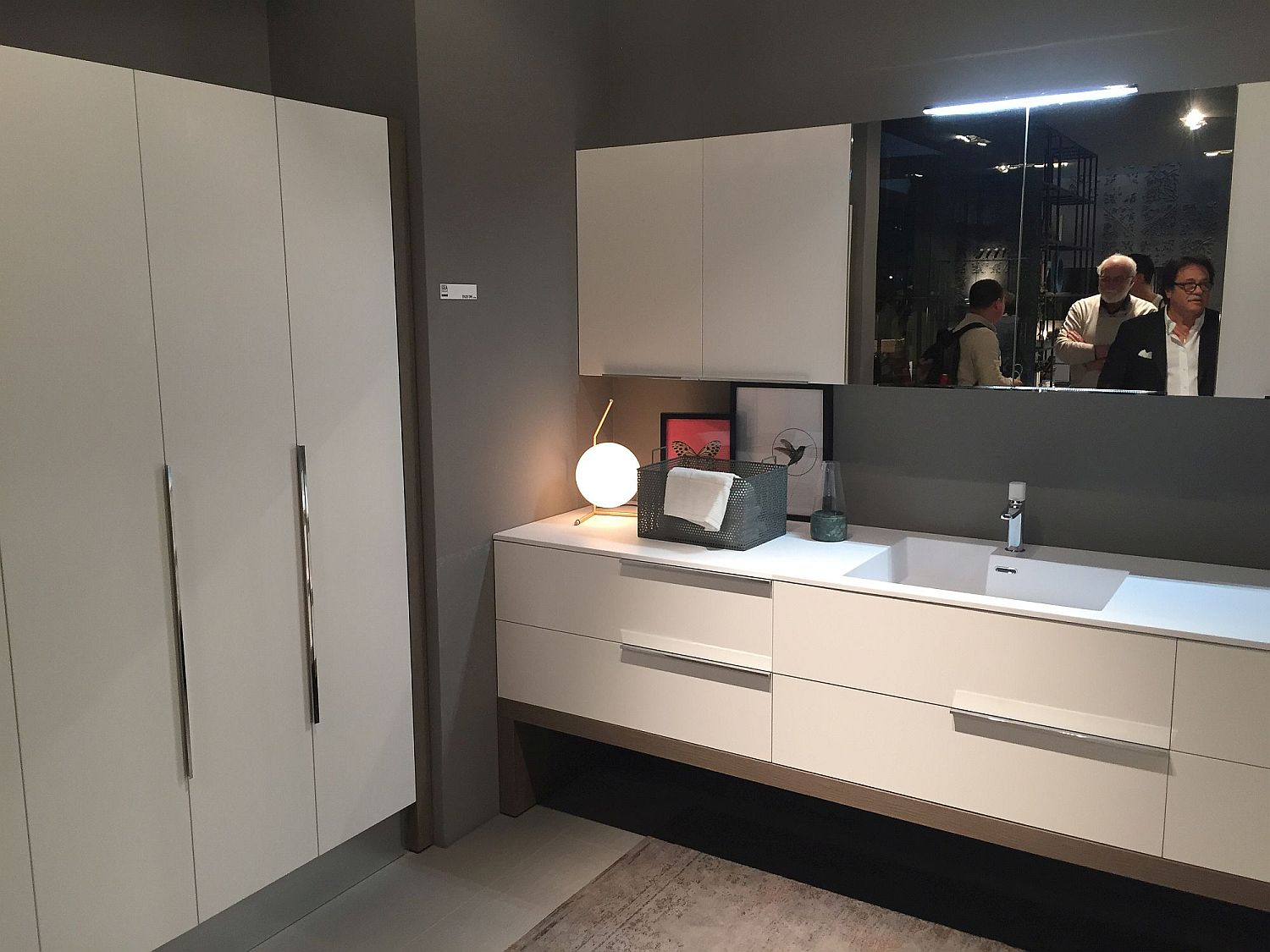 vanity plus usa bathroom virtu bathtubs cabinets norhaven white in es wh vanities cabinet cab