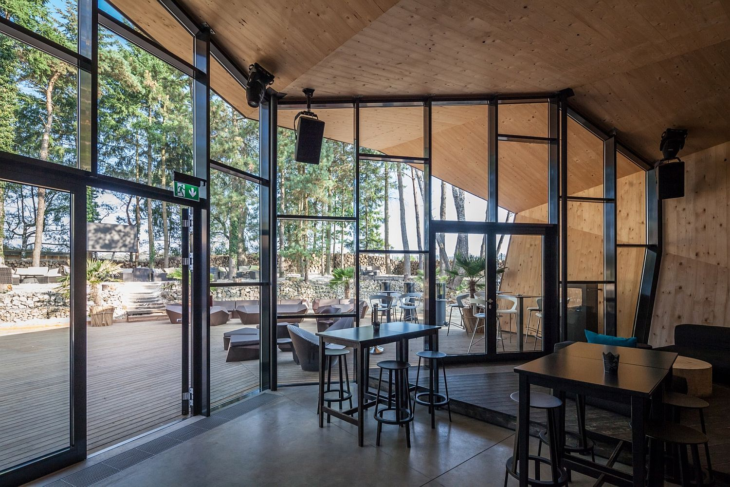 Wood adds touch of warmth to the ingenious Boos Beach Club Restaurant