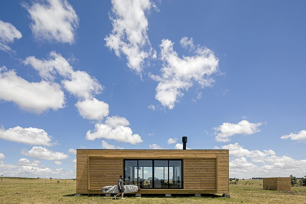 Wooden and glass exterior of the prefab in Uruguay