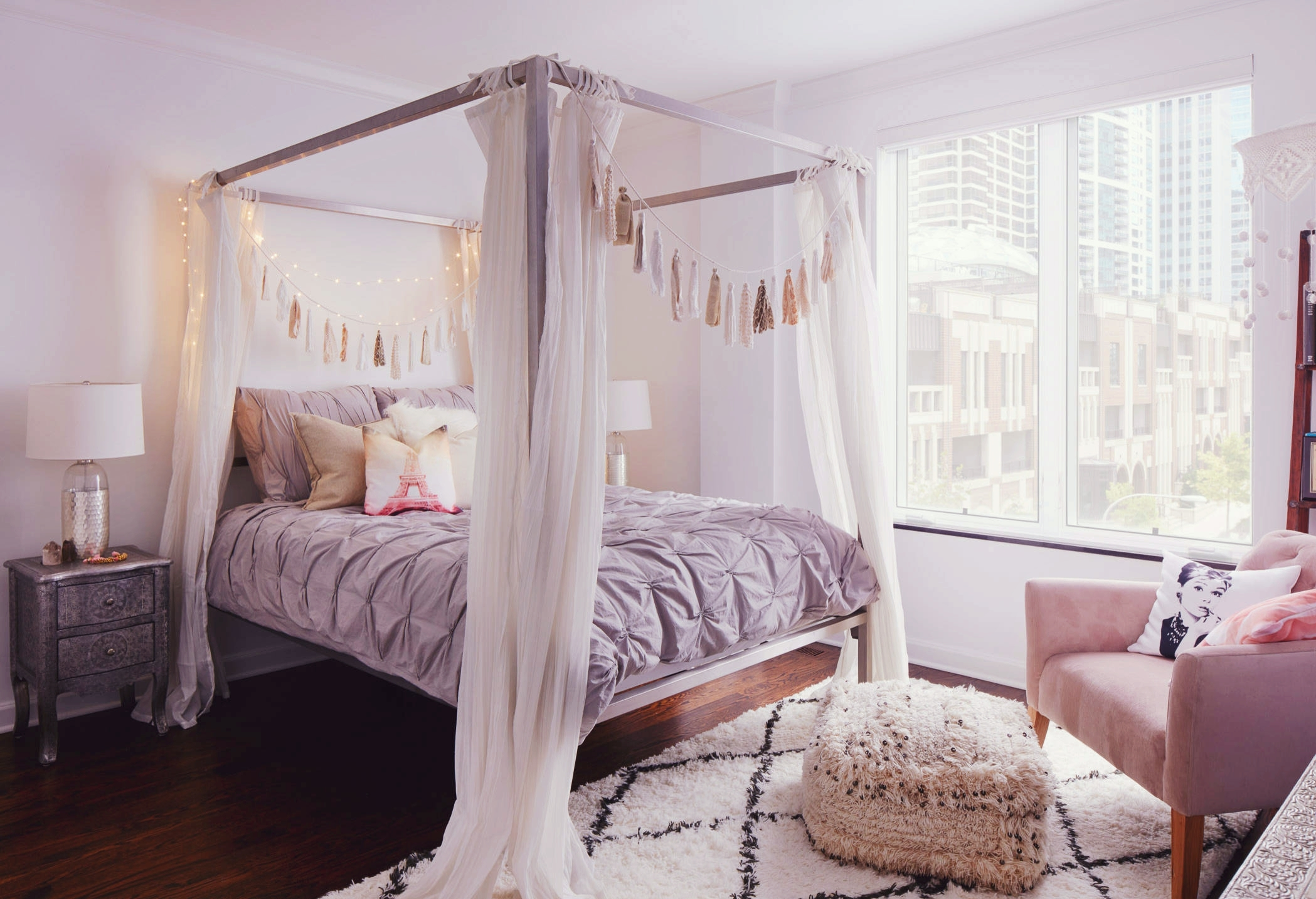 Curtains for bedroom 2016 - A Cozy Bohemian Nook With White Curtains Around The Bed Frame