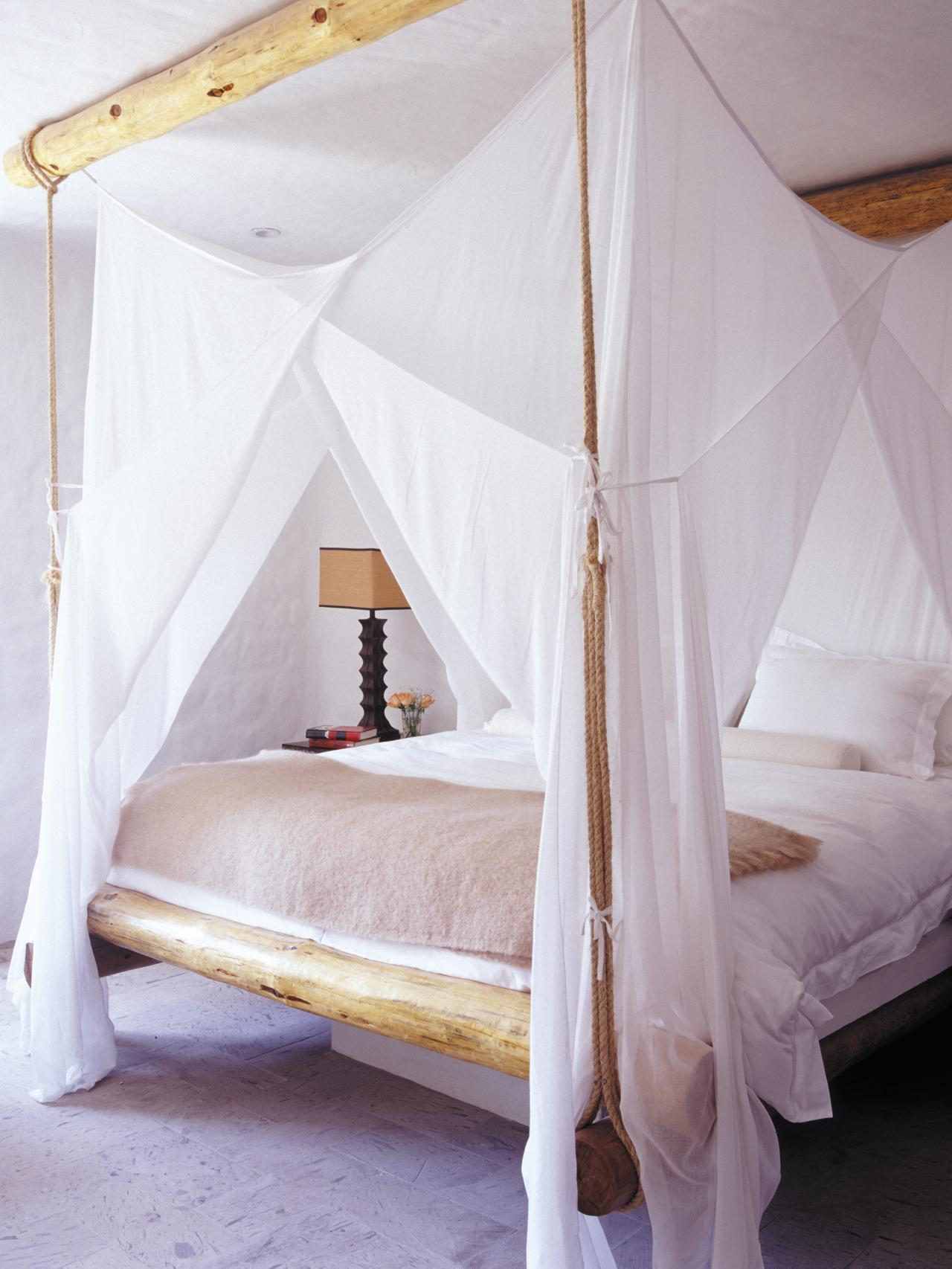 Bohemian bedroom inspiration four poster beds with boho for 4 bed