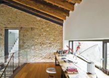 An-office-that-feels-like-a-studio-217x155